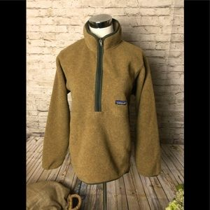 Patagonia light brown synchilla 1/2 zip pullover